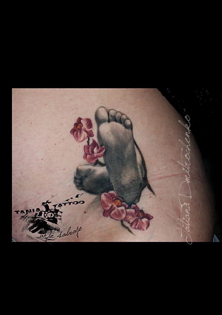 tatuajes pequeños pies de bebe valencia