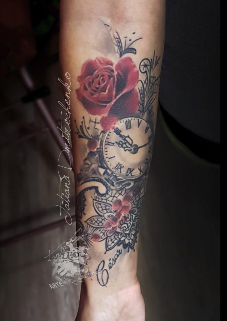 tatuajes de rosas con encaje valencia