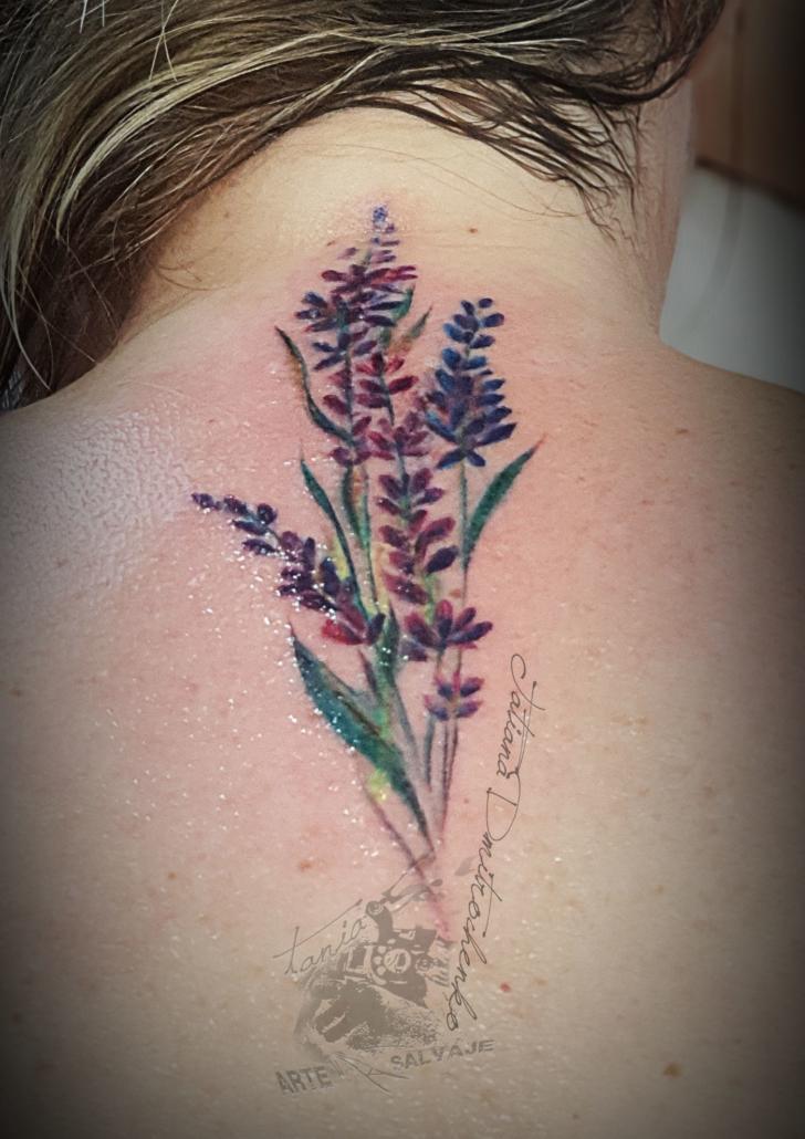 tatuajes pequeños femeninos de flores lavanda valencia
