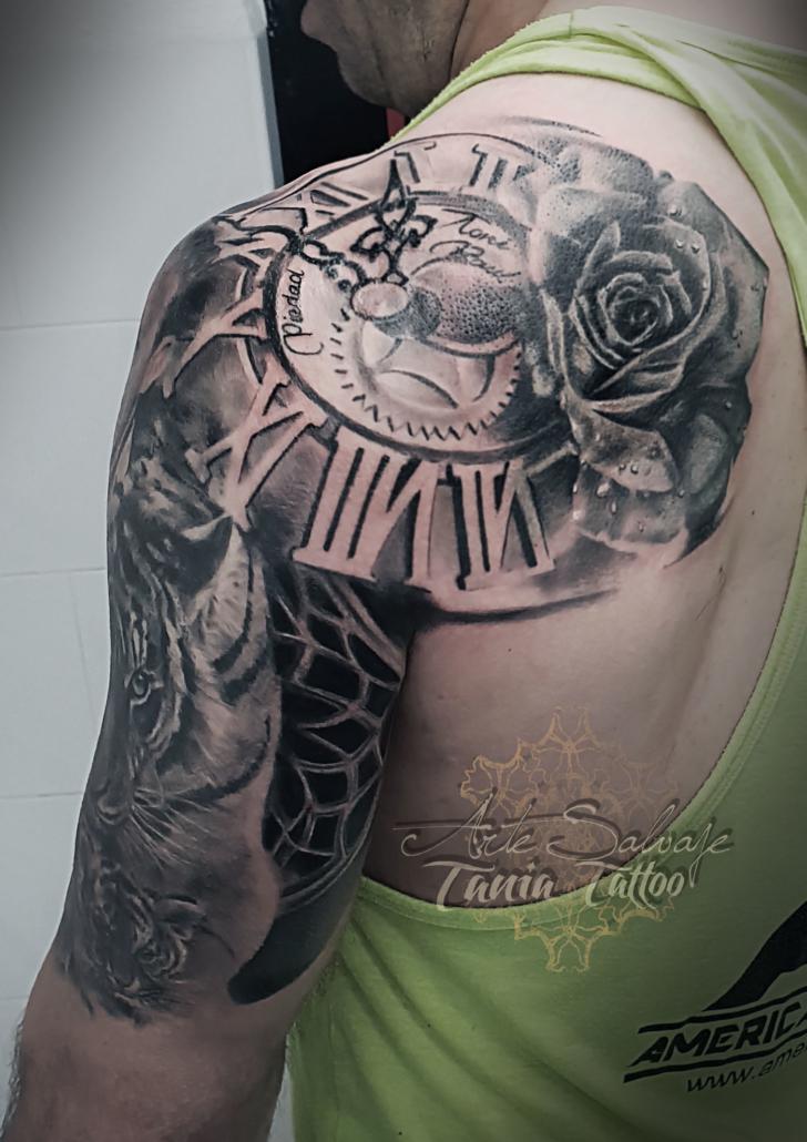 tatuaje hombro espalda brazo cover upcon rosa retratos tigre y cachorro