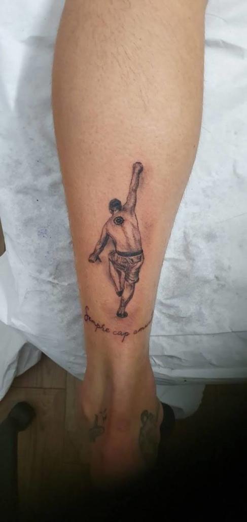 Tatuaje Pequeño Escalador Pierna Hombre
