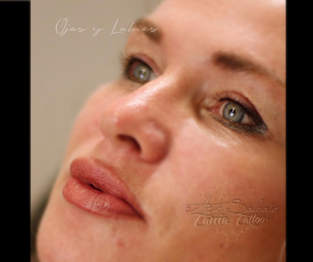 ojos y labios perfectos tatuados a la acuarela micropigmentacion de eyeliner en valencia